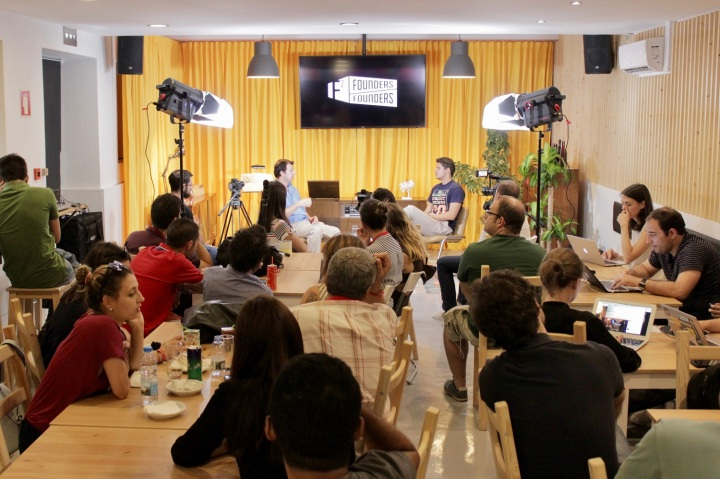founders_café